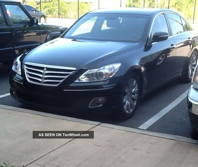 2010 Black Hyundai Genesis Genesis photo