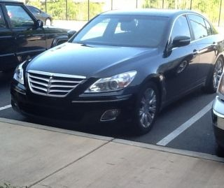 2010 Black Hyundai Genesis photo