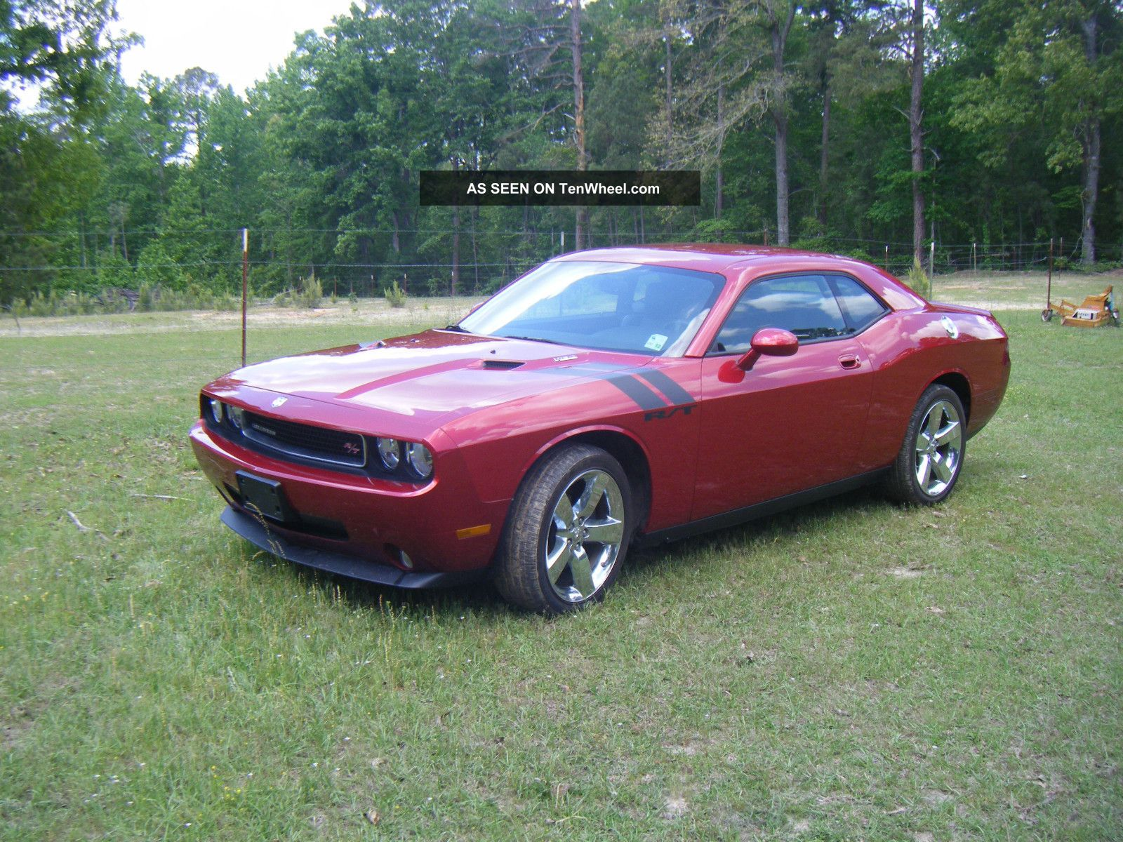 2009 Dodge Challenger R / T Coupe 2 - Door 5.  7l Hemi Auto Transmission Challenger photo