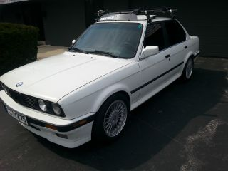 1991 Bmw E30 325ix Base Sedan 4 - Door 2.  5l 16