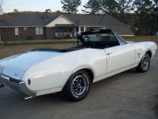 1968 Oldsmobile Cutlass Convertible photo
