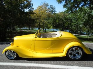 1933 Ford Roadster Similar To 1932 And 1934 photo