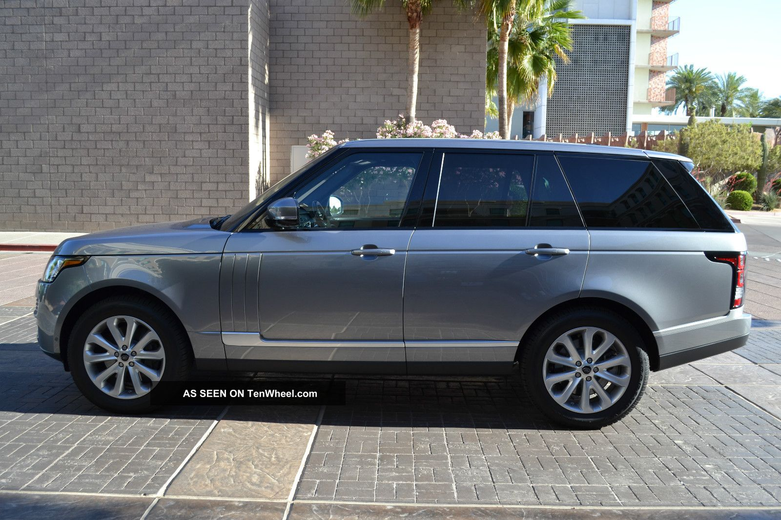 2013 Range Rover Hse Package Front & Rear Climate Vision Assist Prem.  Audio Range Rover photo