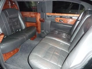 2000 Lincoln Town Car Limousine photo