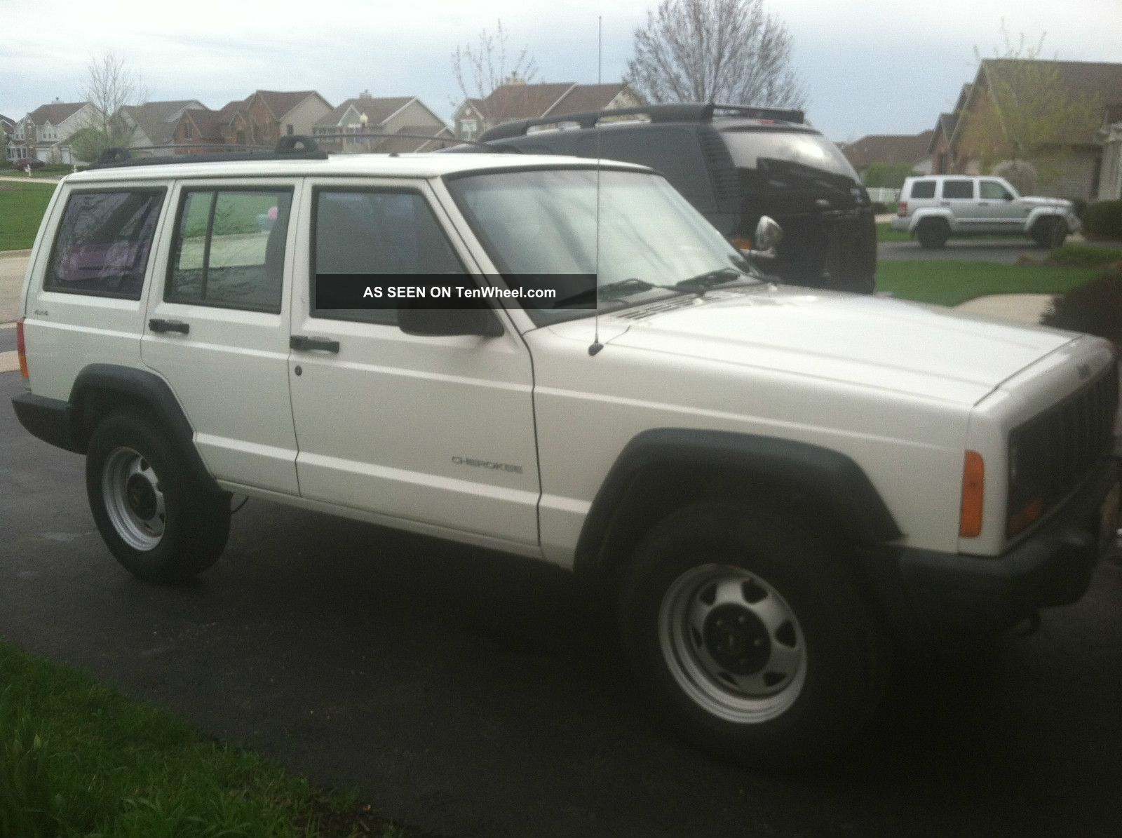 2000 Jeep Cherokee Se Sport Utility 4 - Door 4.  0l Cherokee photo