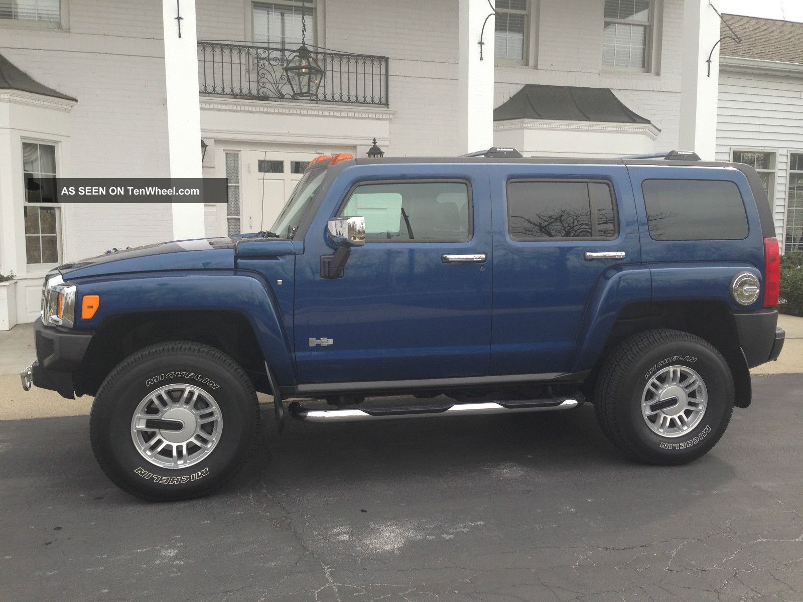 2006 Hummer H3 Luxury Edition Sport Utility 4 - Door 3.  5l H3 photo