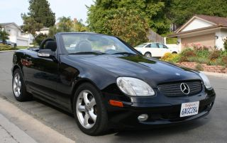 2002 Mercedes - Benz Slk320 Base Convertible 2 - Door 3.  2l photo