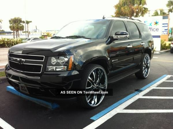 25495 2011 chevy tahoe loaded on 28 on 2013 nissan rogue with rims