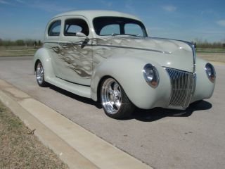 1940 Ford Tudor photo
