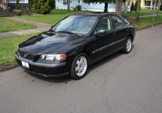 2003 Volvo S60 Base Sedan 4 - Door 2.  4l photo