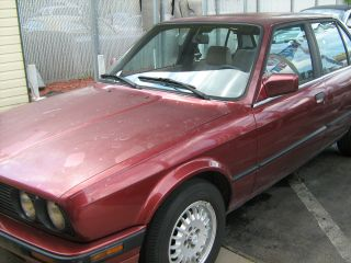 1990 Bmw 325i Base Sedan 4 - Door 2.  5l photo