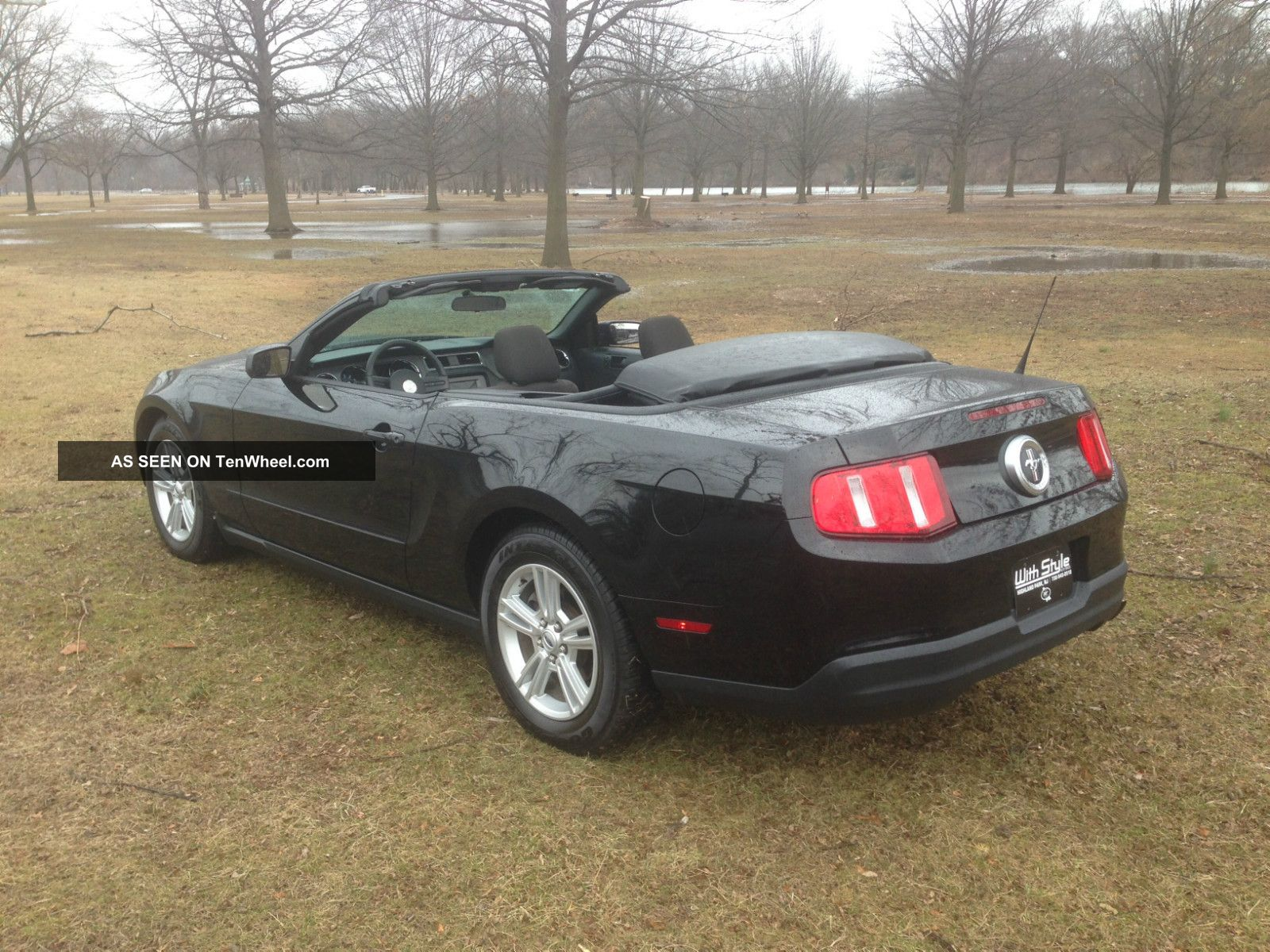 Black Ford Mustang Convertible Model Pictures to Pin on Pinterest
