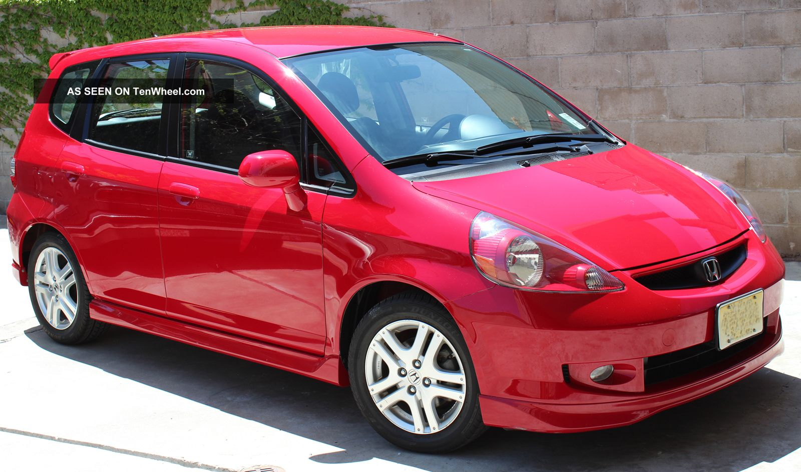 Extremely 2008 honda fit sport 5spd only 7 455 mile car for Cars like honda fit