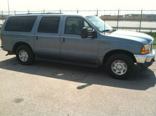 2000 Ford Excursion Xlt Sport Utility 4 - Door 5.  4l photo