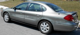 2003 Ford Taurus Sel Premium W / Power Sun Roof photo