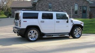 2004 White H2 Hummer - 4x4 - Luxury Suv - 8cyl - 6.  0 Liter - 22