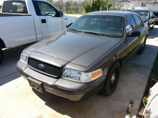 2008 Gray Crown Victoria Police P71 photo
