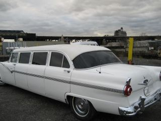 1956 Ford Fairlane 8 Passengers Stretch Limousine photo