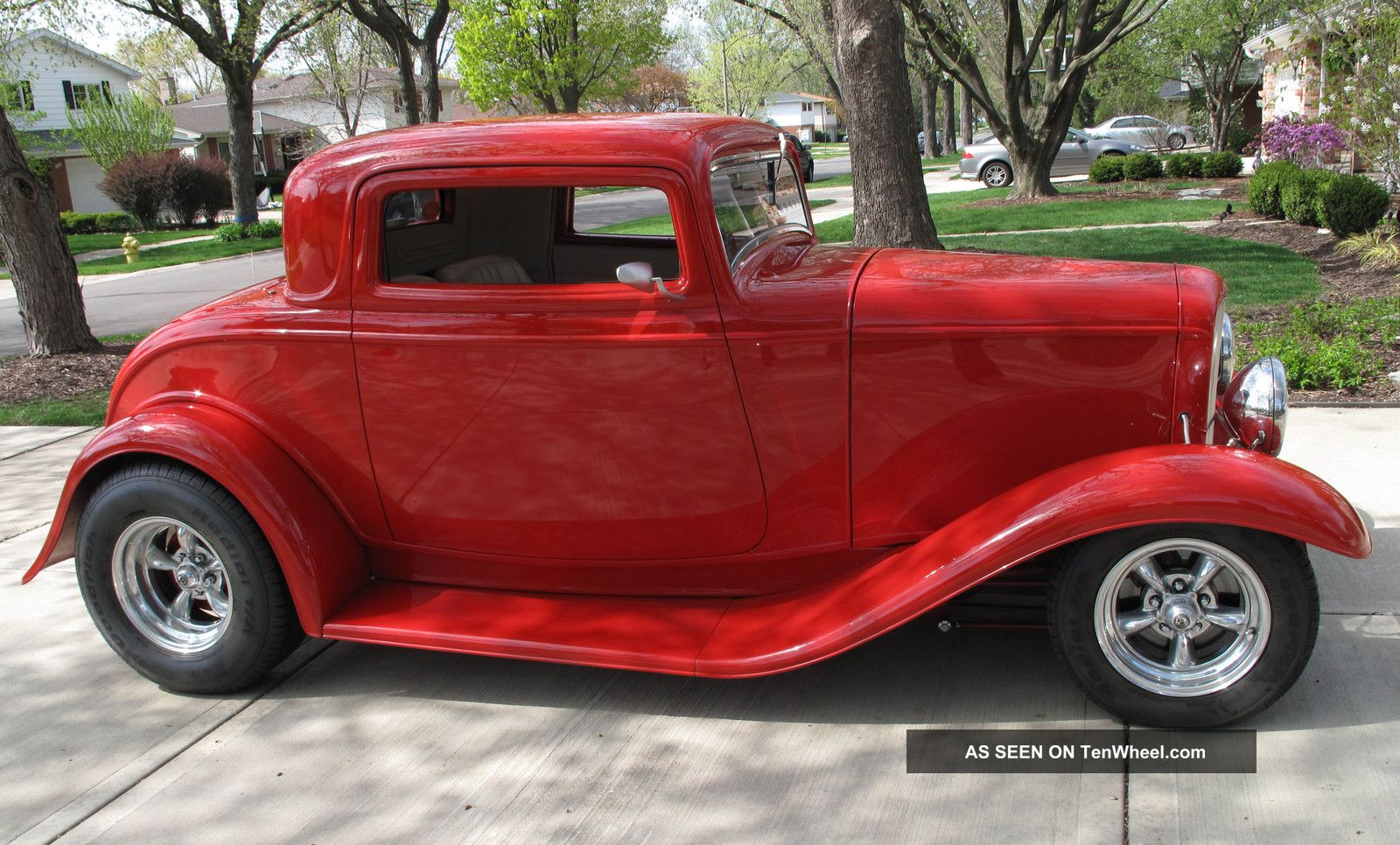 1932 ford red 3 window coupe hot rod for 1932 3 window ford