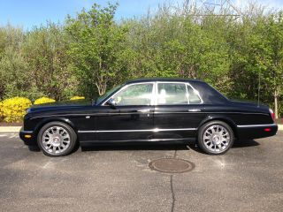 2005 Bentley Arnage R Sedan 4 - Door 6.  7l photo
