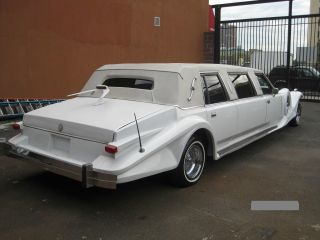 1988 Lincoln Town Car Excalibur 6 Passenger Limo photo