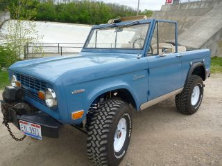 1969 Ford Bronco 4x4 photo