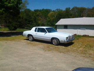 1979 Oldsmobile Cutlass Supreme Base Coupe 2 - Door 4.  3l photo