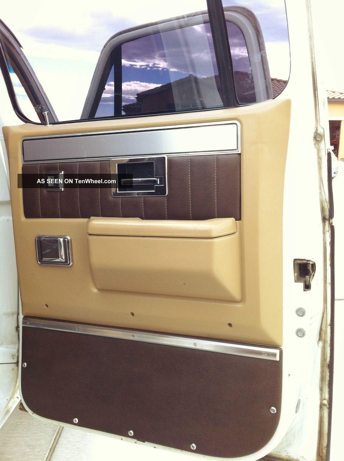 1987 Chevrolet V3.0 1 Ton Crew Cab