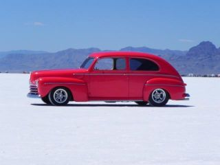 "1946 Ford 2 Door Sedan,  A / C,  Chevy 350 / 700r Overdrive,  Ford 9"",  Air Suspension photo"