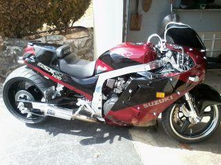 Motorcycles - Suzuki - GSX-R Web Museum