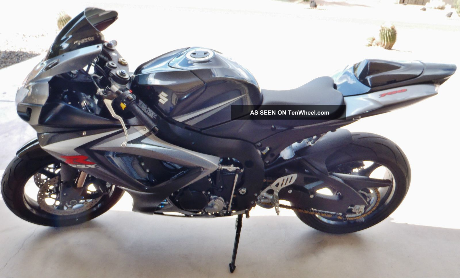 2007 Gsxr 750 - Gixxer That ' S Balanced,  Smooth + Gets Up And Goes GSX-R photo