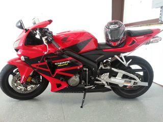 2006 Black / Red Honda Cbr Rr Motorcycle photo
