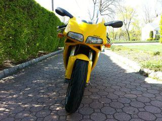 Ducati 748s 2000 Yellow Superbike photo