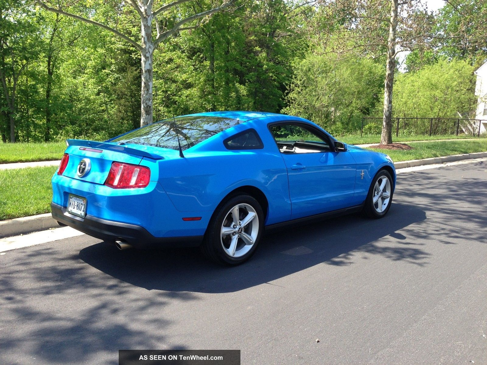 2010 Ford Mustang V6 Premium W Pony Package Grabber Blue