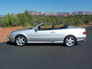 2001 Mercedes - Benz Clk430 Base Convertible 2 - Door 4.  3l photo