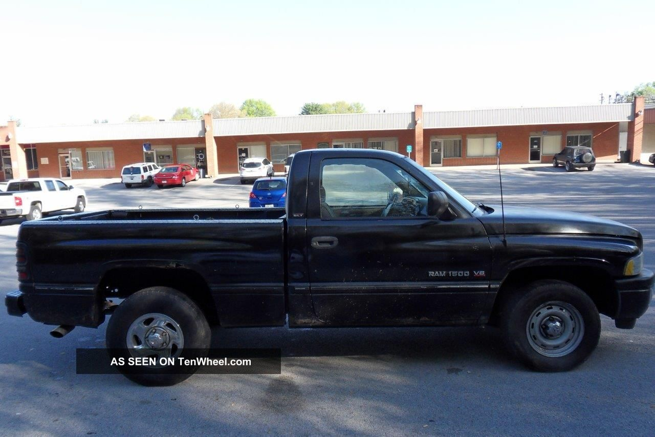 1995 dodge ram 1500 pickup 2 door v8 runs drives. Black Bedroom Furniture Sets. Home Design Ideas