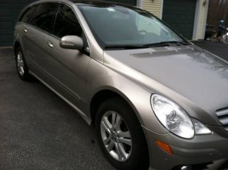 2008 Mercedes Benz R350,  4 Matic,  Awd photo