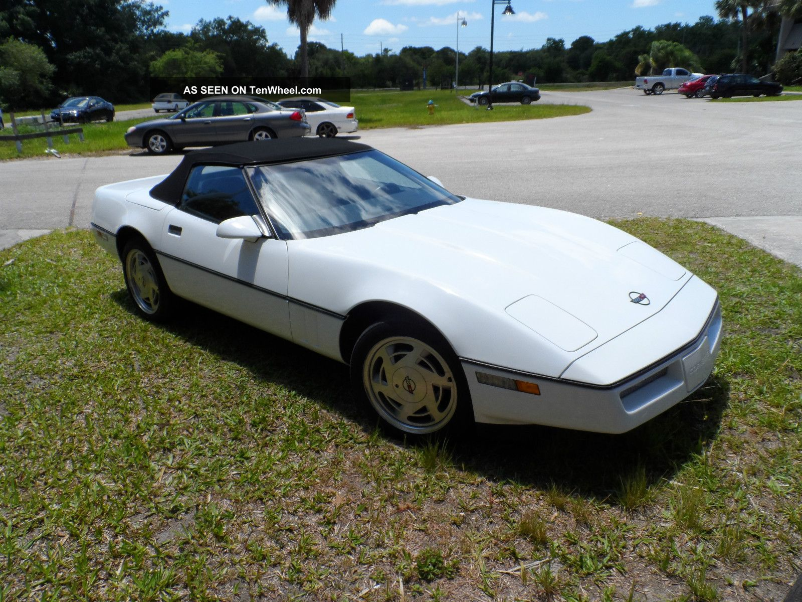 1989 Chevrolet Corvette Base Convertible 2 - Door 5.  7l Corvette photo