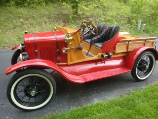 1927 Ford Model T Speedster / Pickup photo