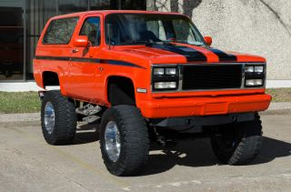 1990 K5 Chevy Blaser - W / Lift Kit And 39,  5