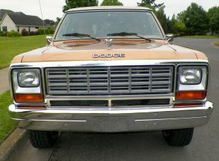 1985 Dodge Ramcharger Royal Se Prospector - - 5.  9 Liter 4x4 photo