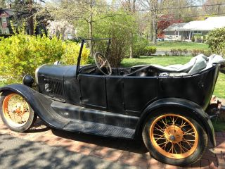 1927 Ford Model T Touring photo