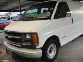 Dry Van - Chevrolet 1997 - G2500 - White - Built In Dry Rack For Delivery photo
