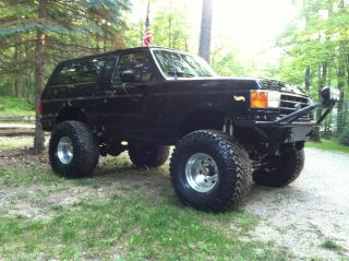 1990 Ford Bronco Xlt Sport Utility 2 - Door 5.  8l photo