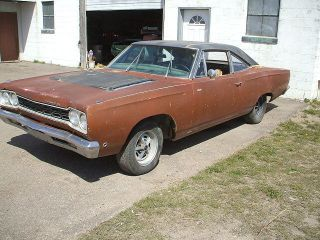 1968 Plymouth Roadrunner Base 6.  3l photo