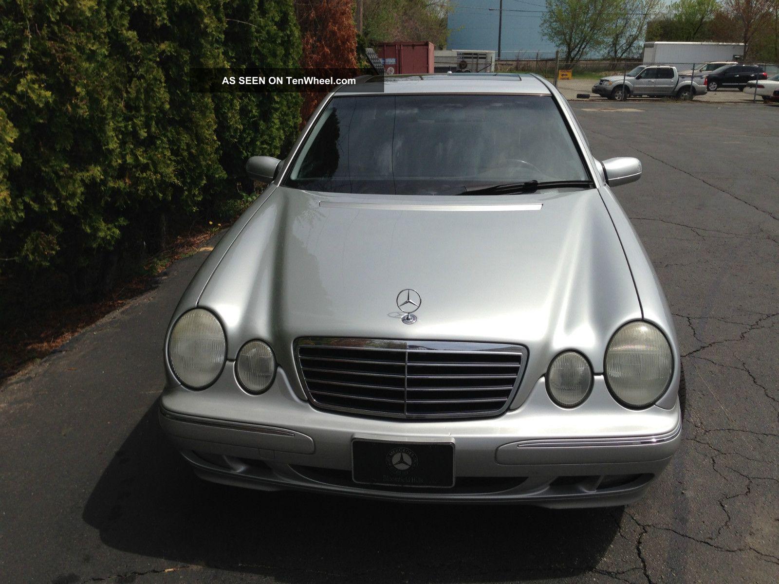2001 Mercedes - Benz E320 4 - Door C14612127) 300-Series photo