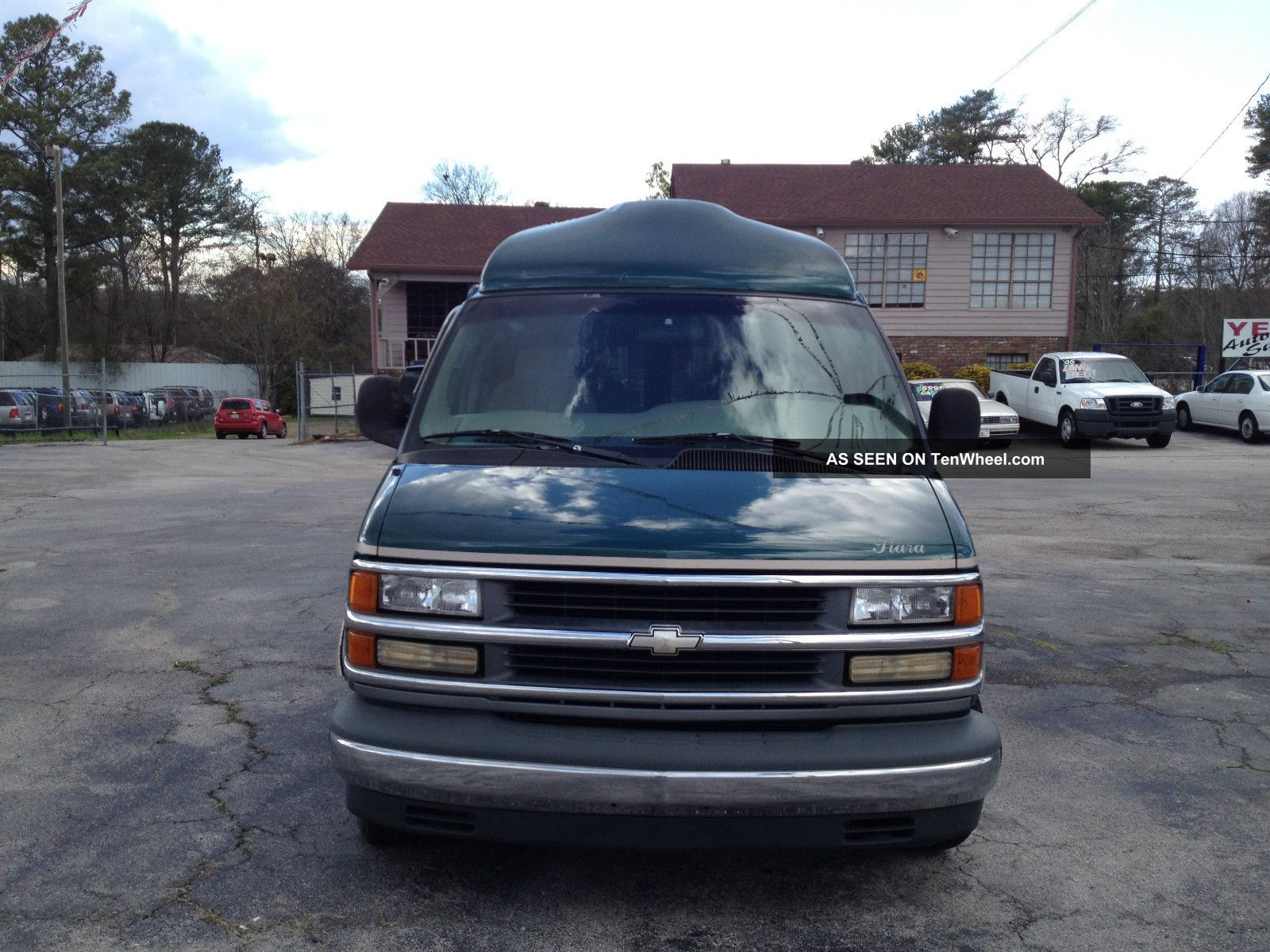 1998 chevrolet express 1500 base standard cargo van 3 door 5 0l. Black Bedroom Furniture Sets. Home Design Ideas