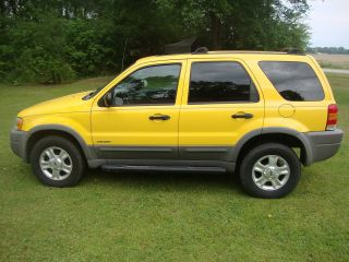 2001 Ford Escape Xlt 4x4 Suv Tires Towing Package Chrome Yellow photo
