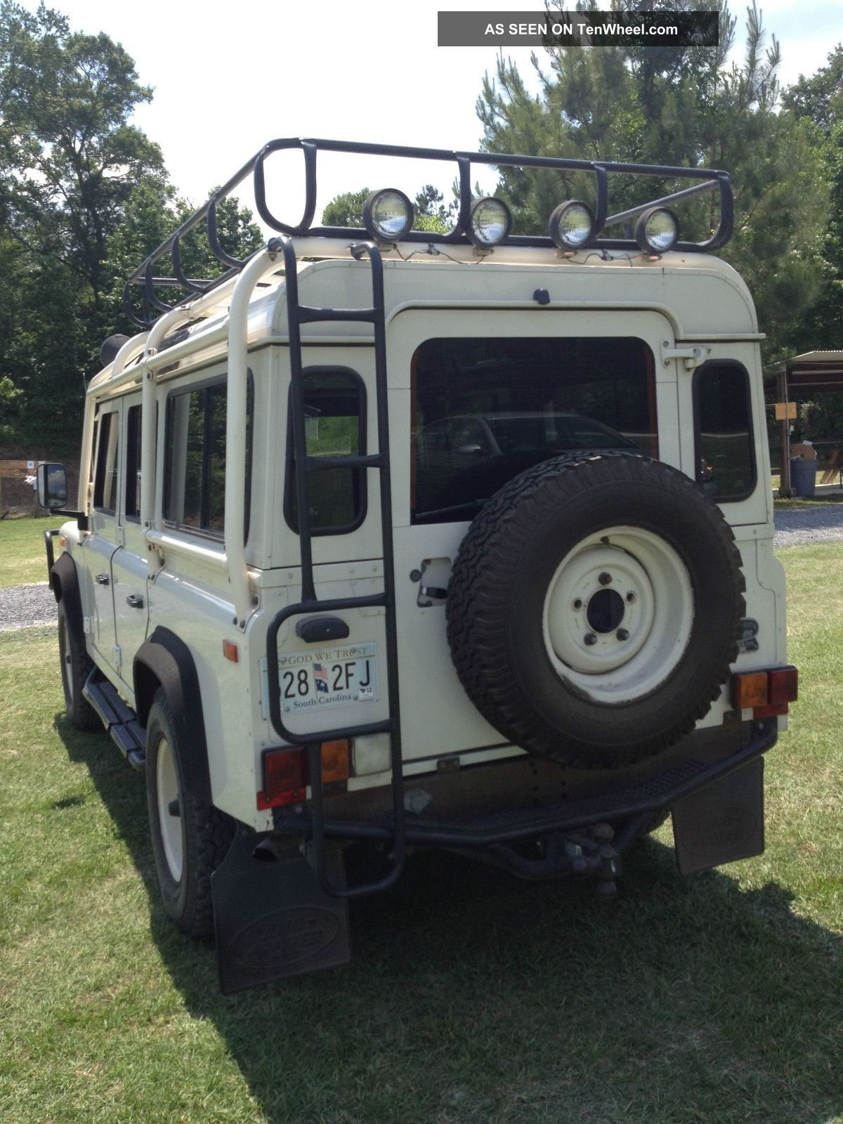 1993 Land Rover Defender 110 Base Sport Utility 4 - Door 3.  9l Defender photo