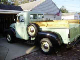 1952 International D22 Pick - Up Truck photo